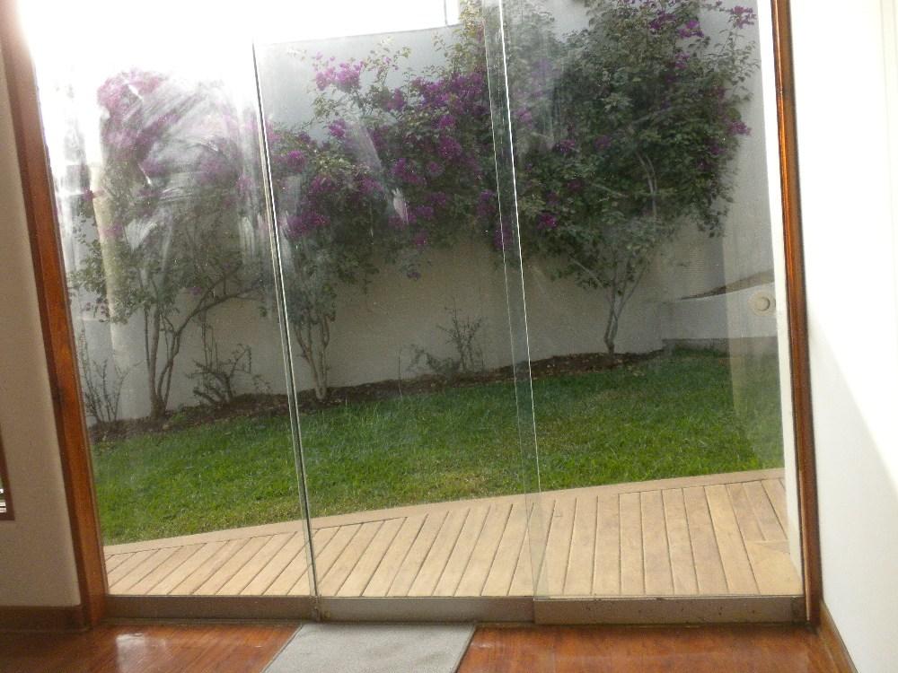 Propieplus espectacular residencia en rinconada alta for Puertas salida jardin